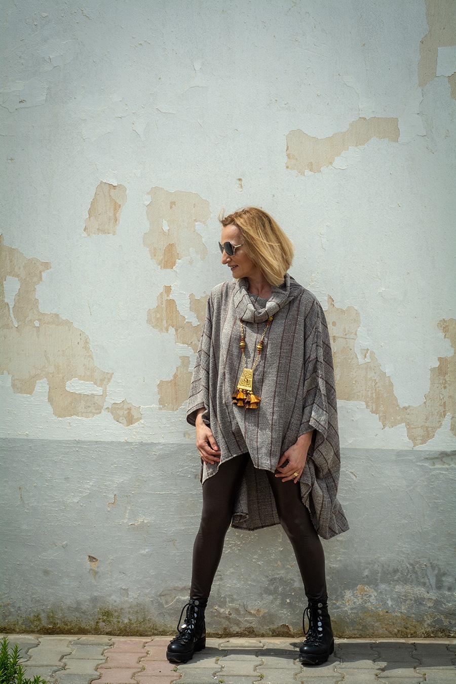 MONACO – TENDANCE UNIQUE – PONCHO – PONCHO OVERSIZE – HIVER 2018 – MARRON – ARA